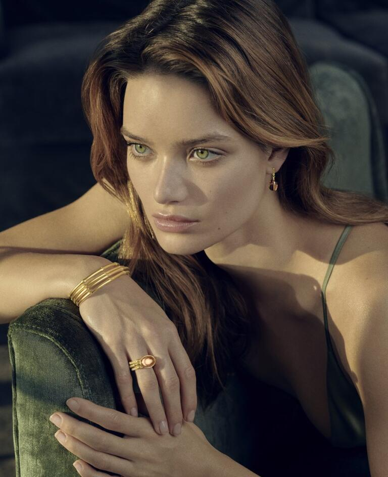 Julie Sandlau model